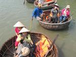 Hội An to crackdown on street vendors, coracle services