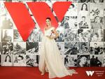 Hoàng Thùy glows at awards' red carpet