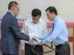 Museum receives donated objects from Mông King family