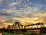 City walk from Hòe Nhai Street to Long Biên Bridge