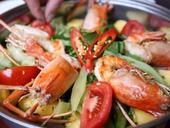Shrimp hotpot: not too sweet, not too sour