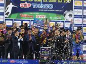 Quảng Nam take National Super Cup trophy