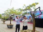Flower festival held in coastal city