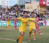 Đức shines to help SLNA beat Sài Gòn