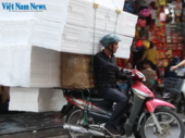 Overloaded mopeds in Việt Nam