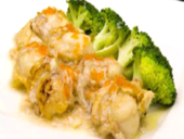Egg white with scallops and broccoli
