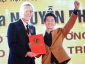 Popular magician sets another world record