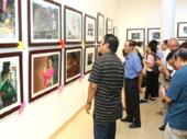 Photo exhibition shows lifestyle of Hanoians