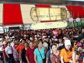 Tourist sitesface challenges from overcrowding
