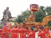 Visitors flock to spring festivals