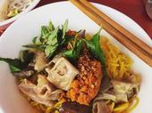 Bún nghệ xào lòng, a unique dish of Huế