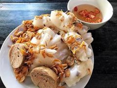 Nghệ An's 'bánh mướt' goes down a treat withpig's tripe