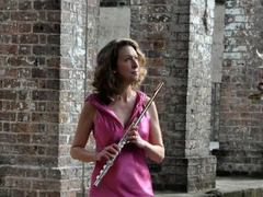 Australian flute artist to perform at Manzi