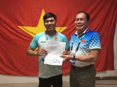 Swimmer Tùng wins golden hattrick at Asian Para Games