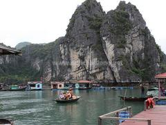 Cửa Vạn fishing village an attractive destination in Hạ Long Bay