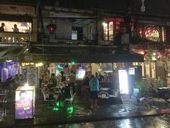 Gov't cracks down on Hội An bars, restaurants