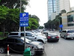 HCM City mulls increase in fees for parking automobiles on roadsides