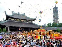 Cultural managers, experts dignify holiness of traditional festivals