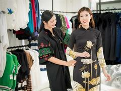 Paris hosts beauty contest honouring áo dài