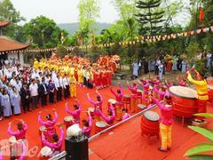 Hà Nam celebrates Long Đọi Sơn Pagoda Festival