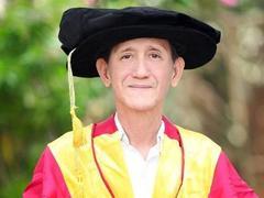 Vietnamese herbalist awarded honorary doctorate by University of Florida