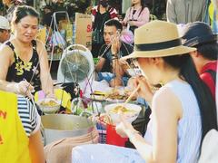 Local markets in central VN, a magnet for foodies