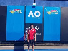 Phương enters second round of Australian Open
