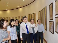 Folk painting exhibition opens in Bạc Liêu