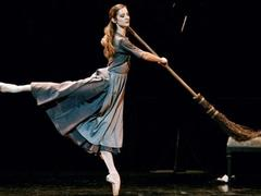 "L'Espace presents screening of ballet ""Cinderella"""