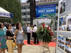 Photo exhibition on Việt Nam islands and sea opens