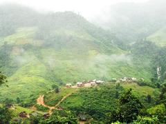 Tà Vờng, a village in the clouds