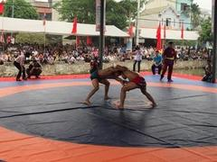 National wrestling champs open in Hà Nội