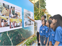 Photo exhibition reviews HCM City's development