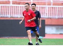 Vietnamese referee Lân receives FIFA recognition