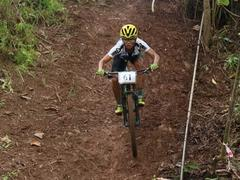 Vietnamese athletes compete in Asian mountain bike champs