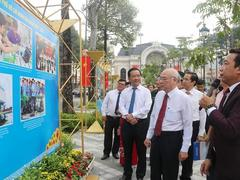 Photo exhibition celebrates HCM City Party Congress