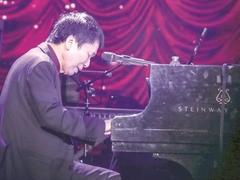 Composer wins award for work dedicated to Hà Nội