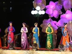 Huế to host long dress festival