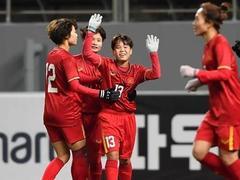 Striker Vạn Sự passes coach Chung's test