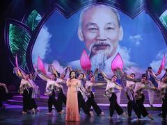 Specialprogramme marks 130th birthday of Uncle Hồ
