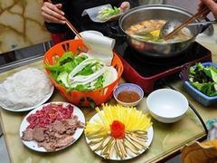 Bò nhúng dấm, a must-try dish in Hà Nội