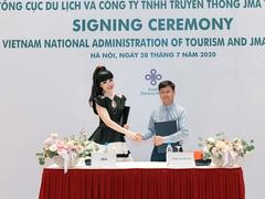 Fashion icon teams up with UNESCO, VNAT to promote tourism