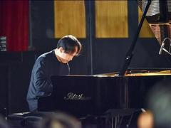 International pianist returns toViệt Nam to build the arts community at SMPAA