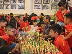 Back to childhood with activities celebrating Mid-Autumn Festival in Hà Nội