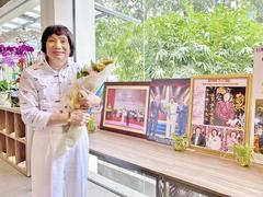 Photo exhibition features career of veteran cải lương performer