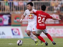 HAGL coach heaps praise on captain Trường
