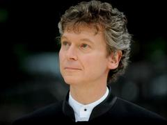 """American conductor leads """"Scheherazade Concert"""" at Opera House"""