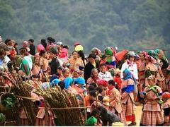 Mountain market comes to tourism village