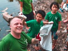 Long Biên Bridge clean-up event calls forvolunteers