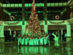 Christmas season comes to Đà Nẵng, Hội An